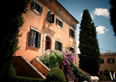 Luxury wedding Villa Near Volterra and San Gimignano Front