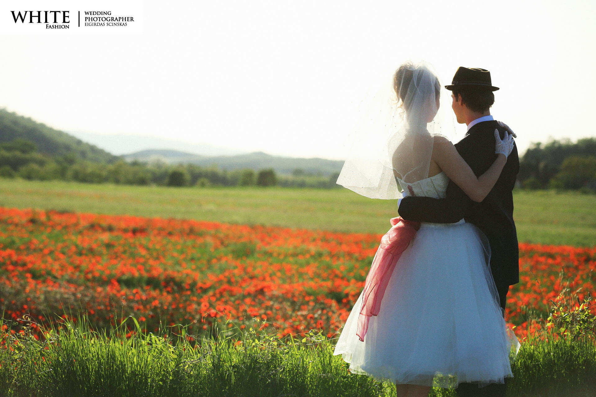 Wedding in Tuscany white fashion photographer russian citizens