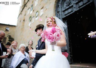 Wedding in Volterra white fashion photographer russian citizens